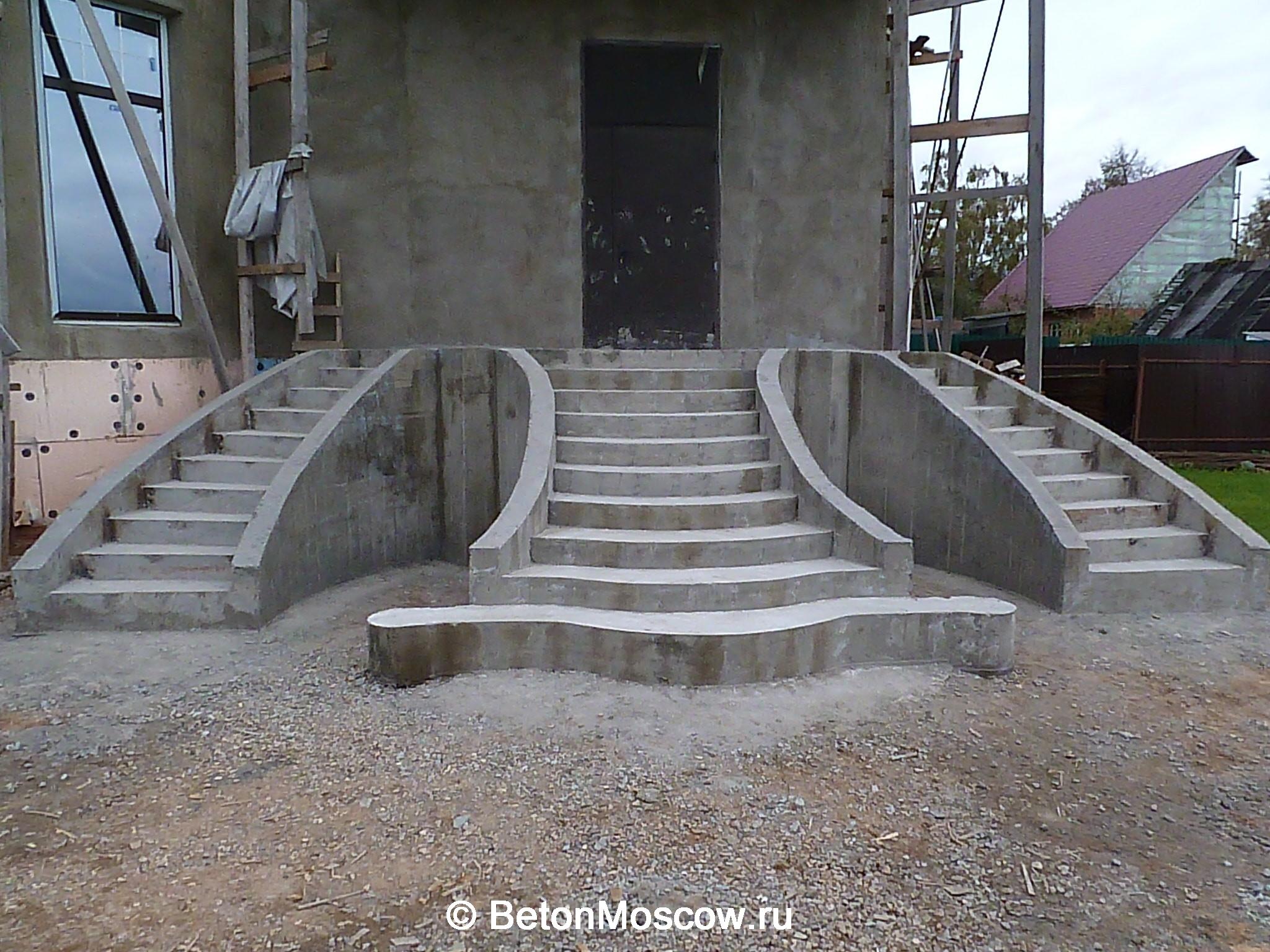 Фото монолитных уличных лестниц